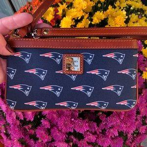 Dooney & Bourke NFL Patriots Wristlet 🏈